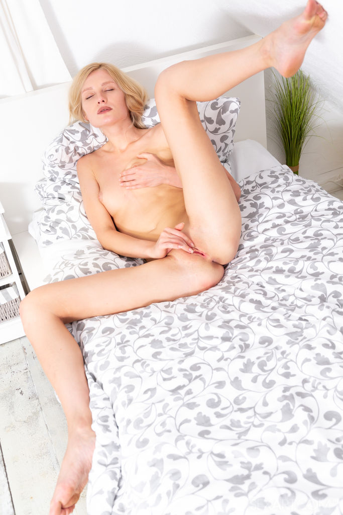 Best quality unclad snapshot for freebie