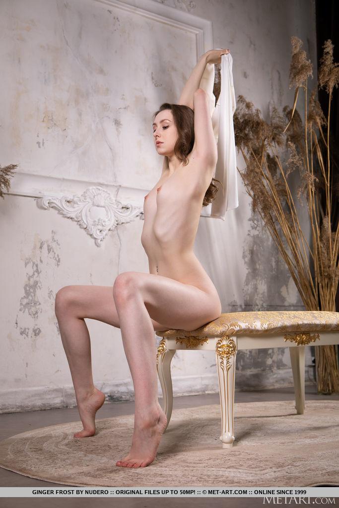 Ginger Frost in stark-naked snapshot