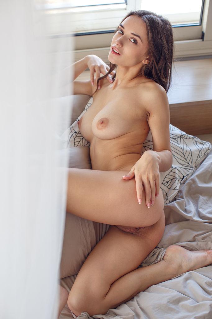 Model of Gloria Sol in unattired sessions