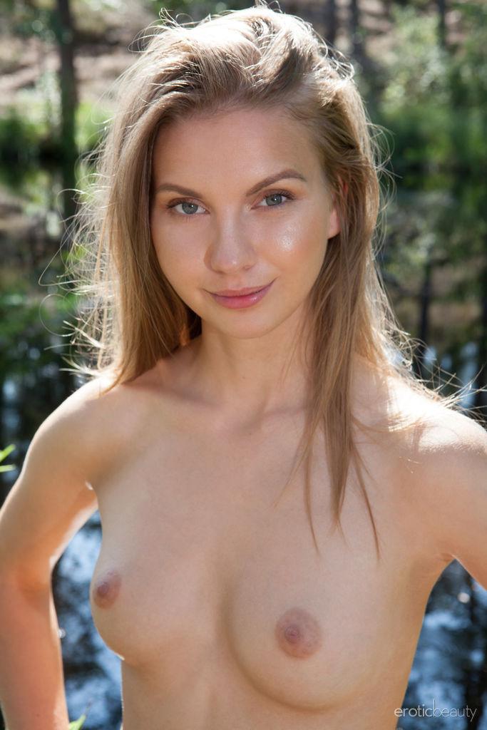 This girl has awesome medium titties and Blonde hair, Hazel eye