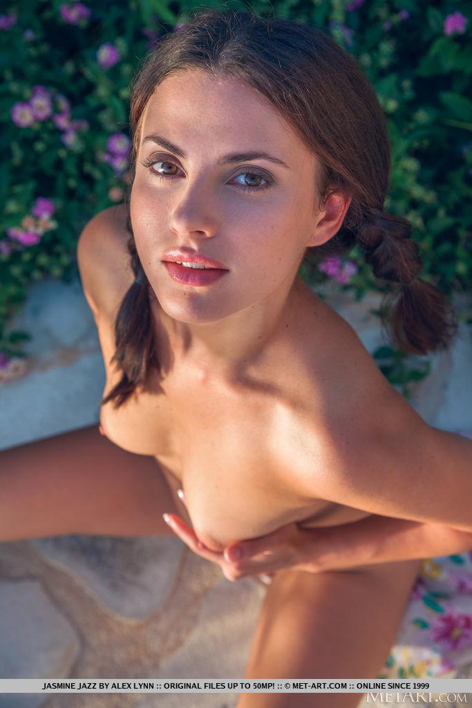 Best prodigious model Jasmine Jazz in nude sessions