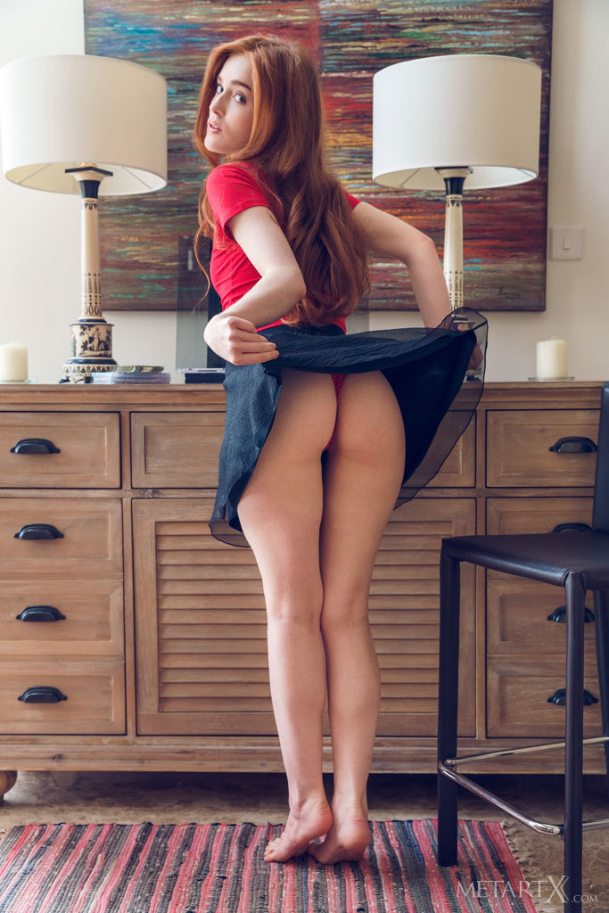 Jia Lissa in stark-naked shot
