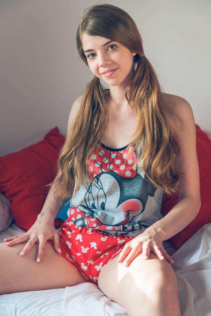 Kay J medium boobs pic