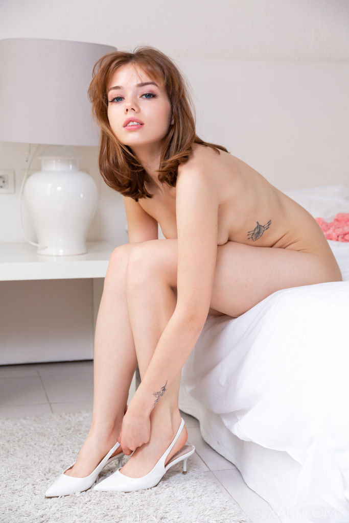 Best seductive model Keira Blue in unattired sessions