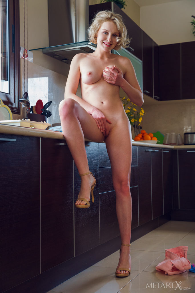 Best erogenous model Kery for adult only sessions