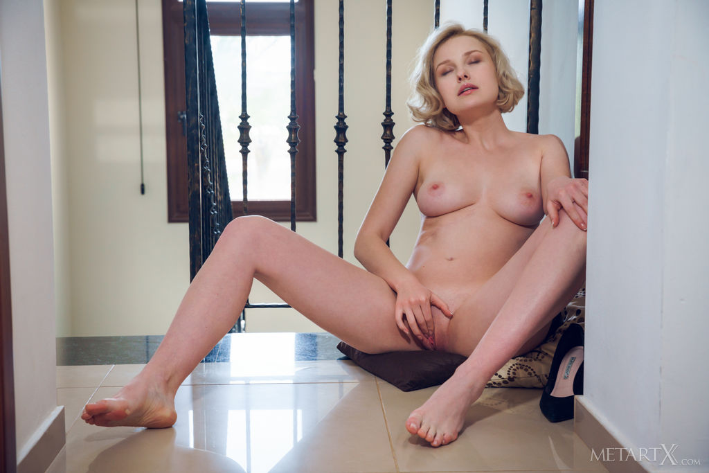 Kery in naked snapshot