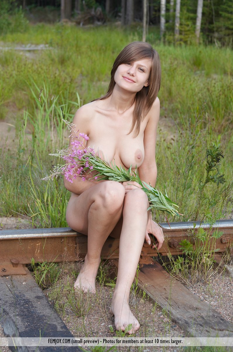 Railway Picnic FemJoy is heavenly Lea