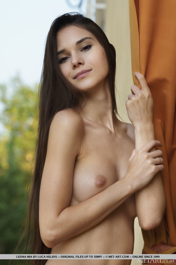 amazing medium natural boobs snapshot