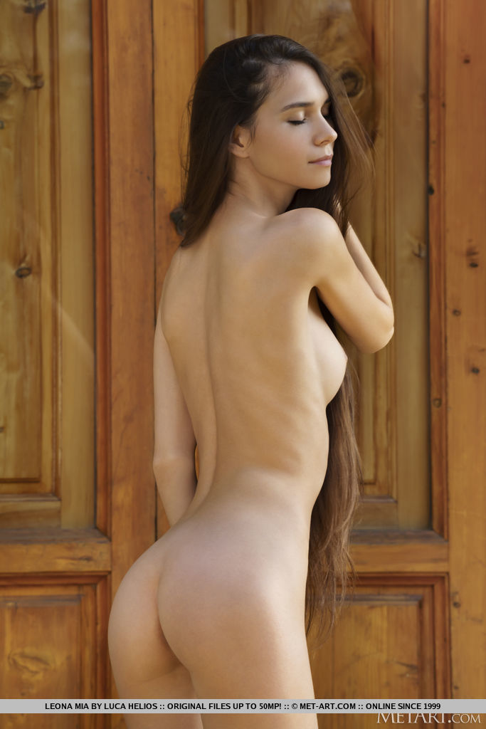 Model of Leona Mia in in birthday suit sessions