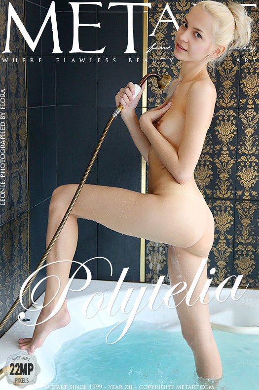 On the magazine cover of Polytelia MetArt is awesome Leonie
