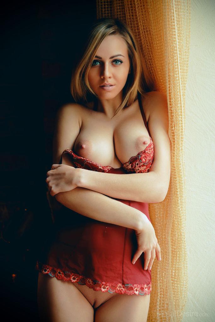 kinky medium breasts pix for free