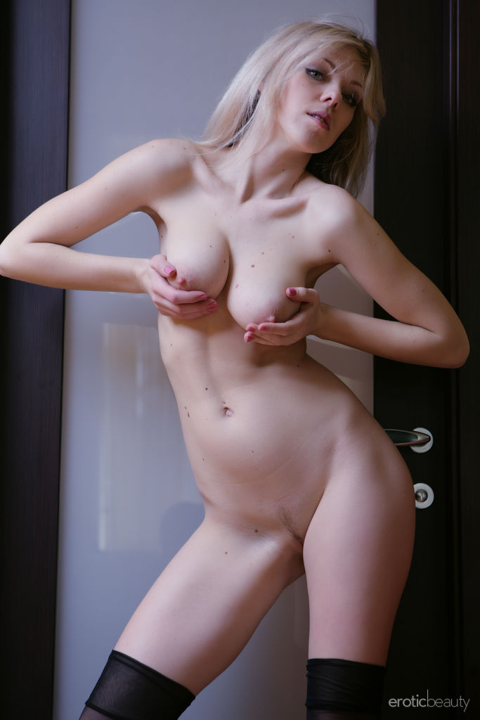 Best amorous model Lola A for adult only sessions