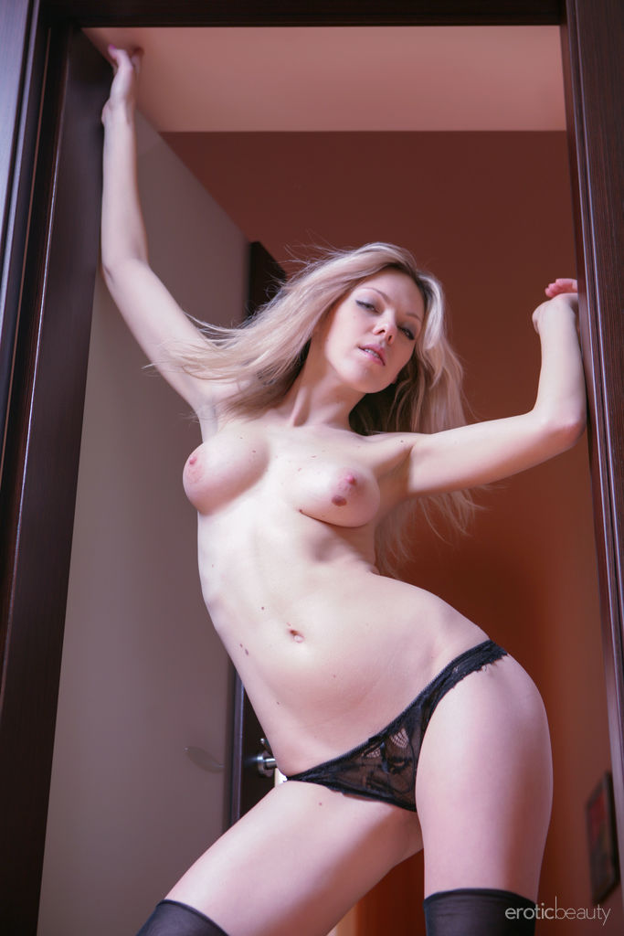 skin photo gallery of  Lola A