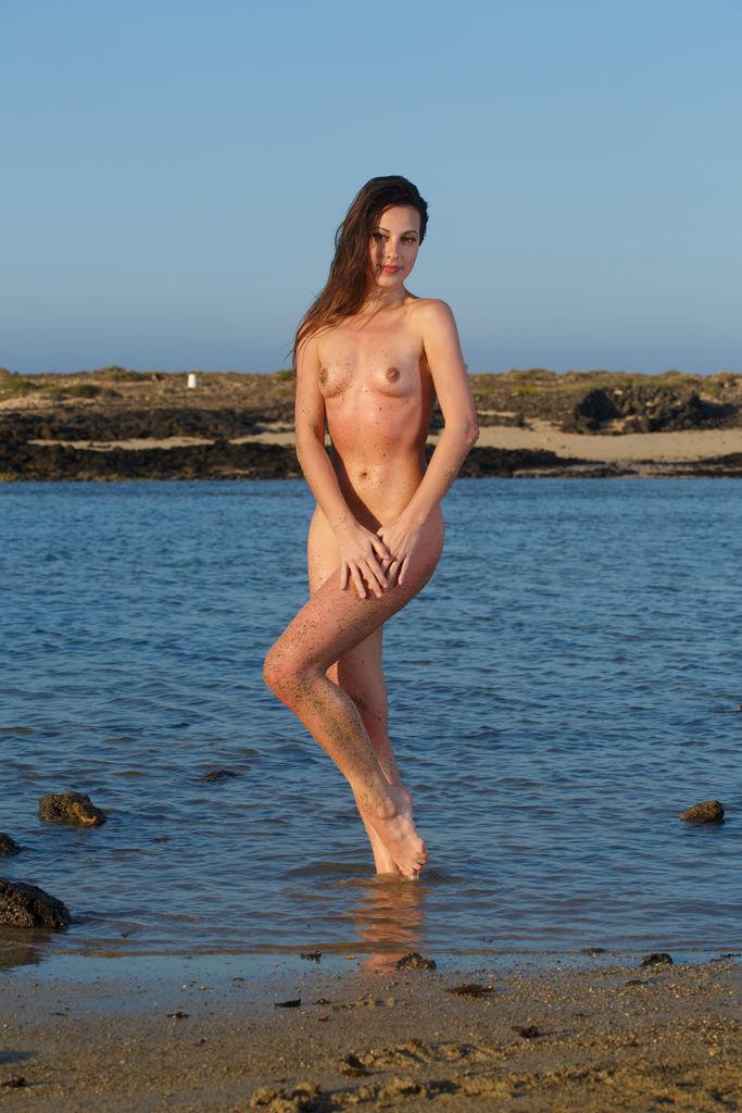 Lorena B in raunchy photo HD for freebie