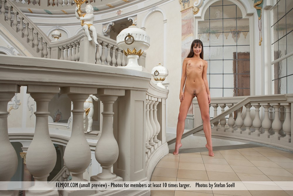 Model of Lorena G. in unclothed sessions
