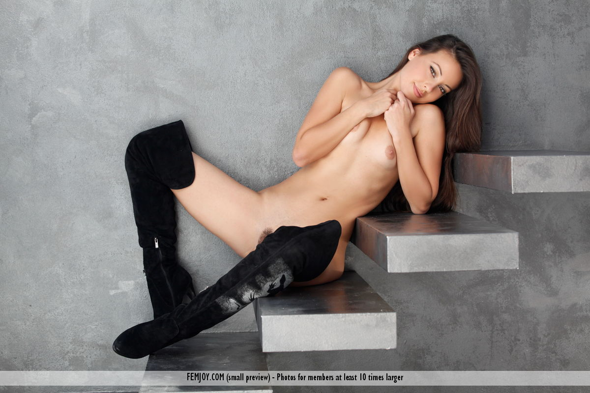Lorena G. in lecherous photo sessions for chargeless