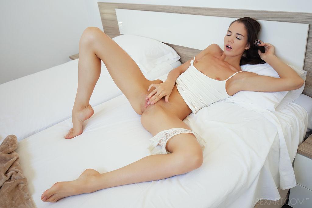 Lovenia Lux inviting small breasts picture