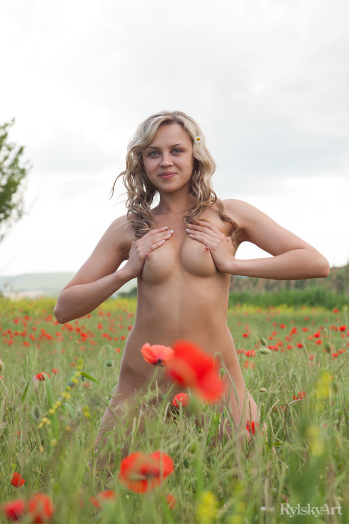 Best quality unclothed image