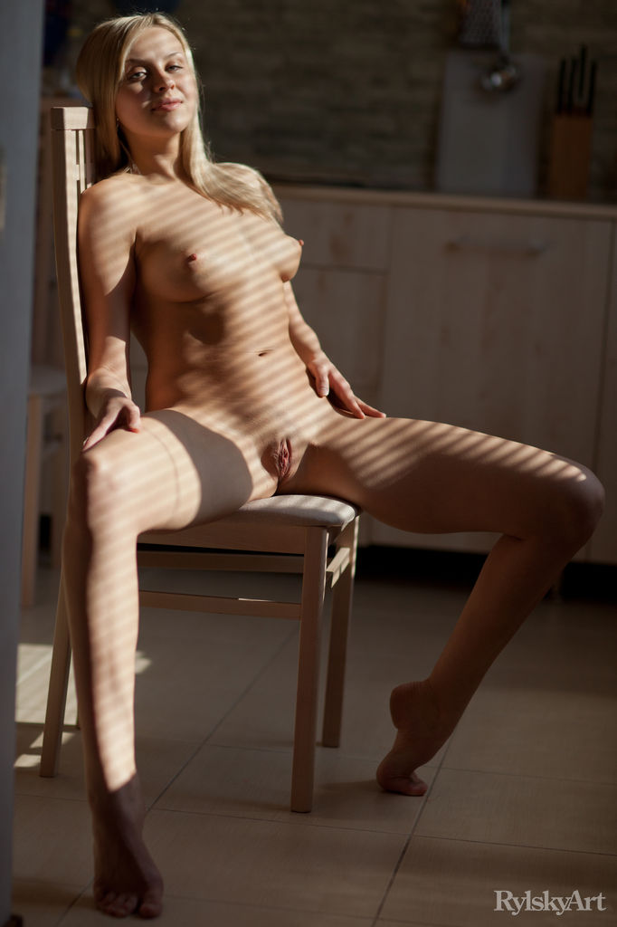 Luciana in seductive photo sessions