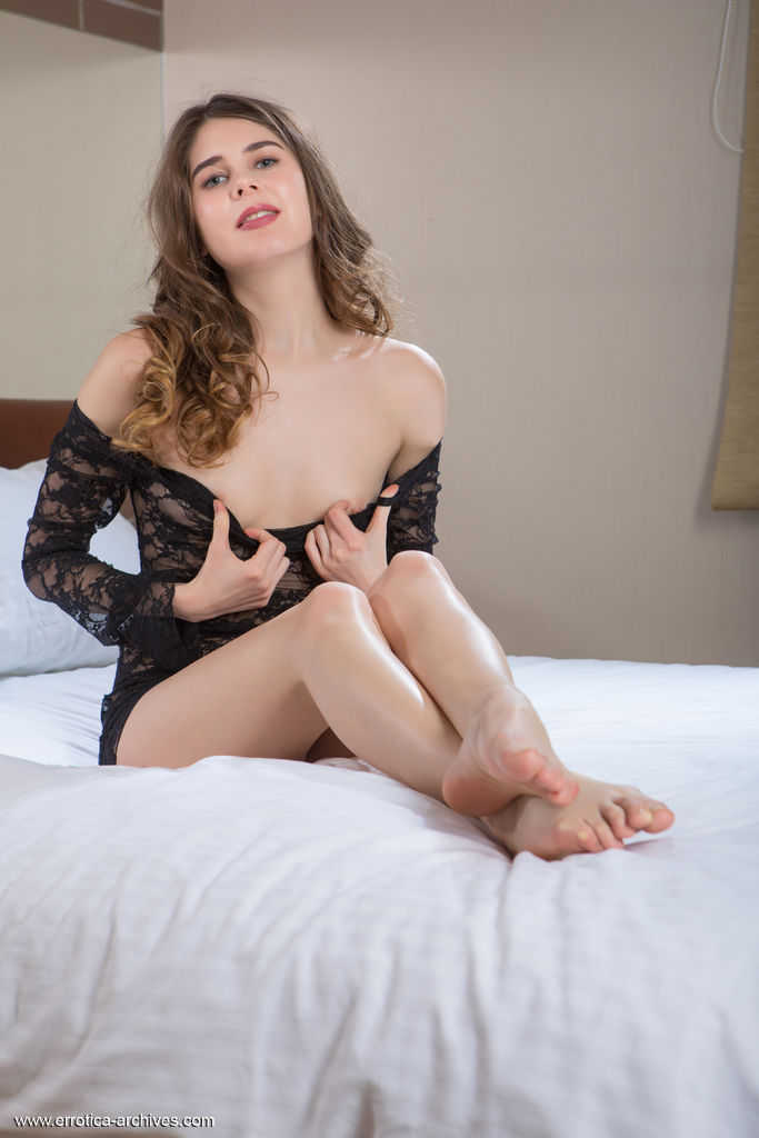 small breasts picture