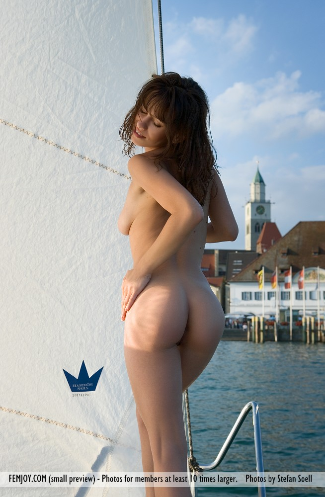 On the cover of Sail with me FemJoy is inspiring Mabelle