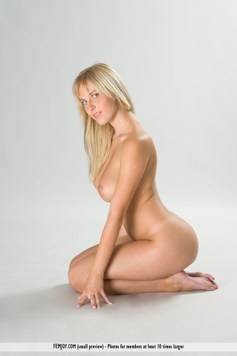 nude photo gallery of  Magdalene