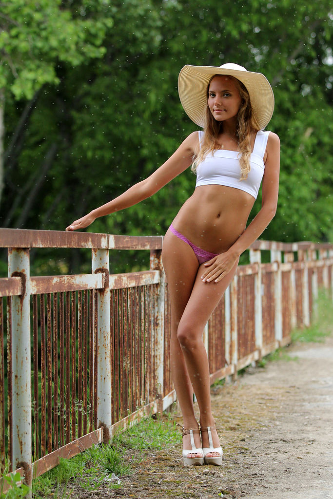Model of Mango A in unclad sessions