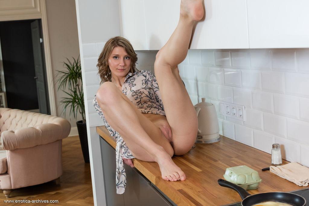Best libidinous model Maria Marnie in garmentless sessions