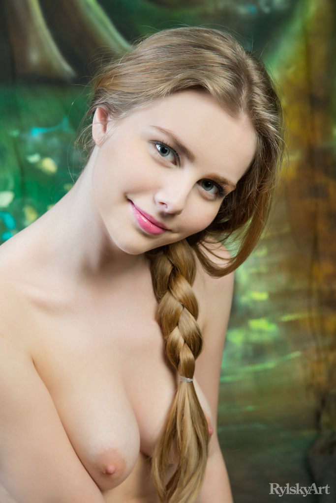 Marit in amorous photo sessions