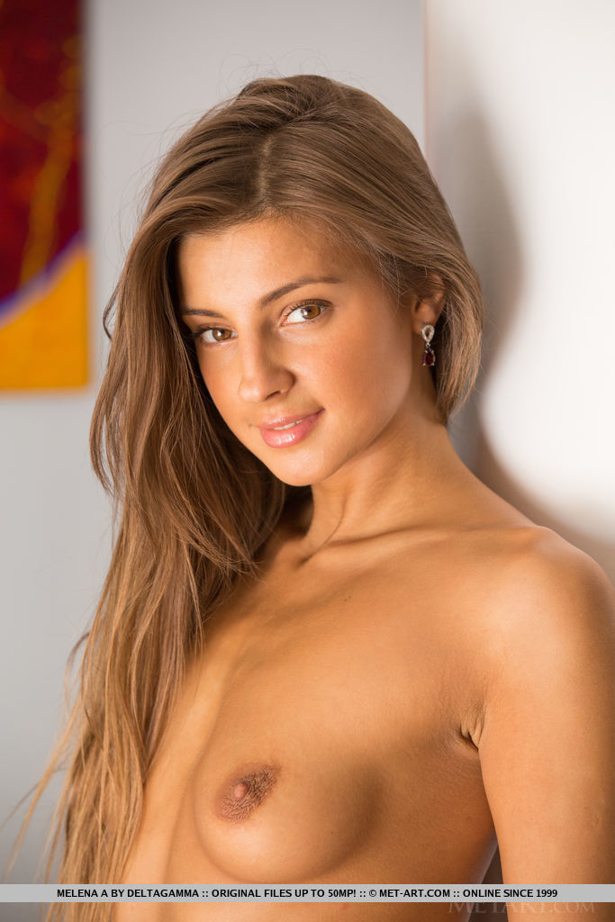 Melena A in alluring photo HD for gratis