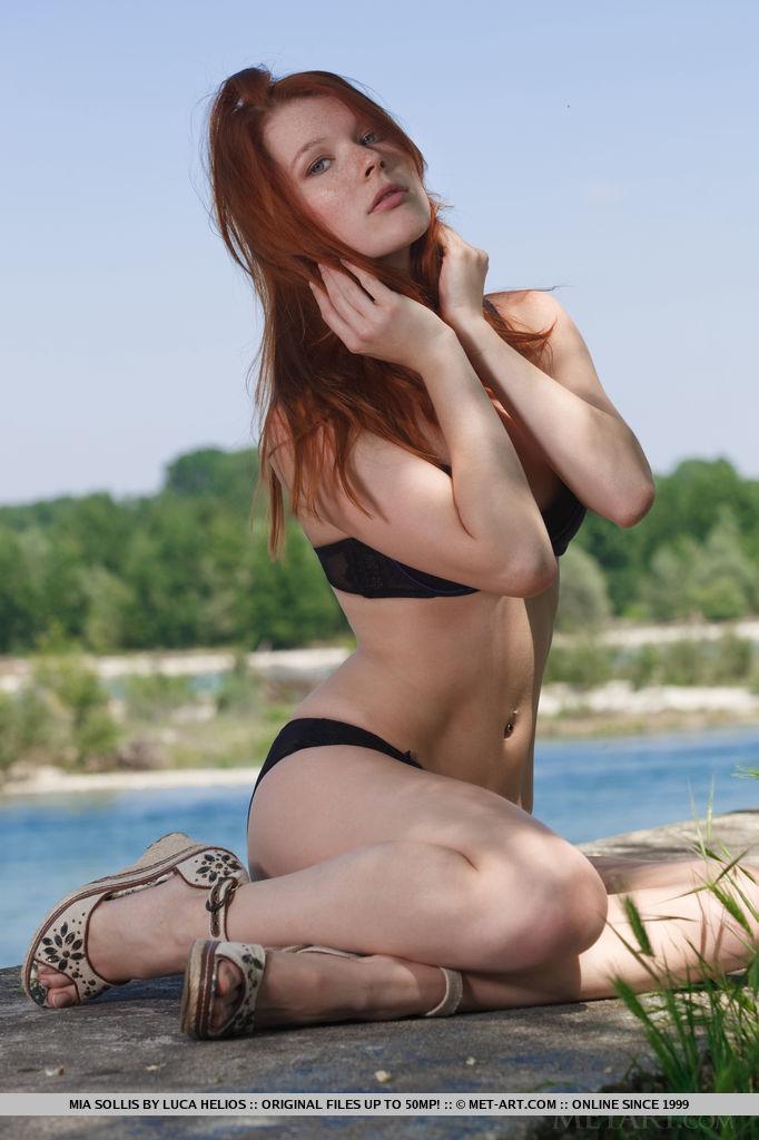 Mia Sollis in skin pix
