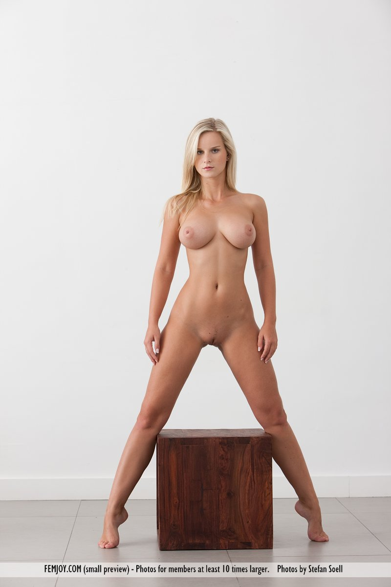 Best titillating model Miela in in birthday suit sessions
