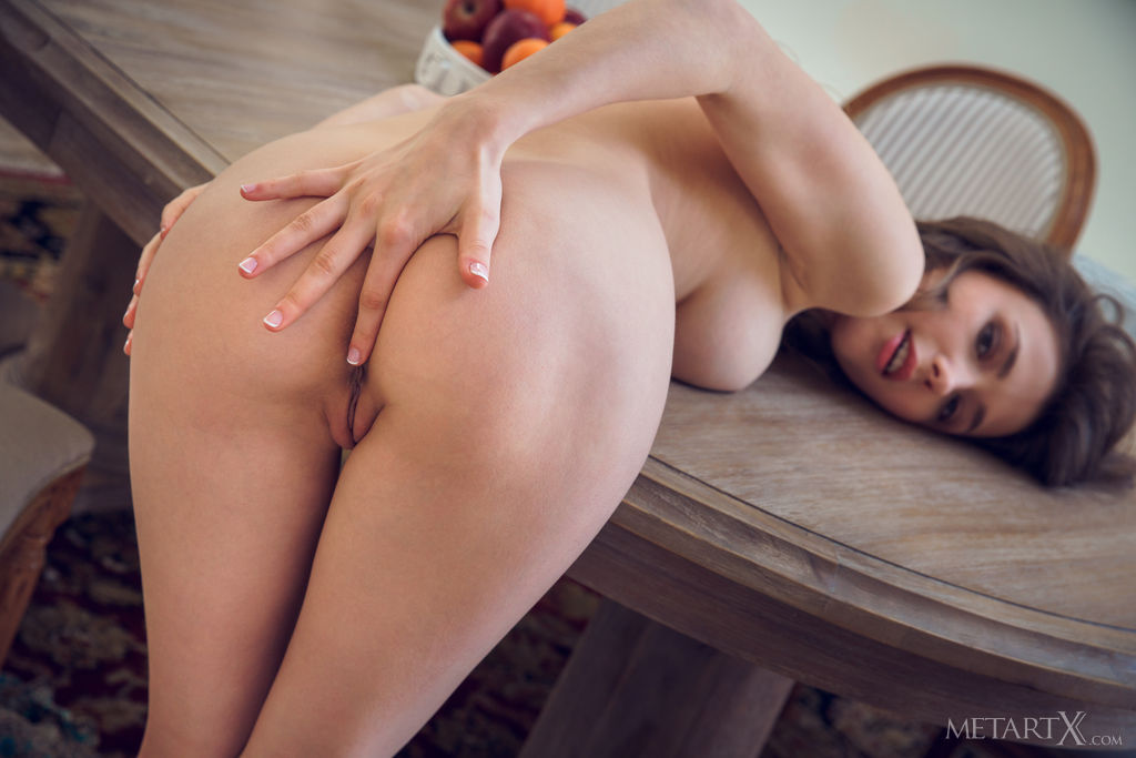 Mila Azul in concupiscent photo sessions for freebie
