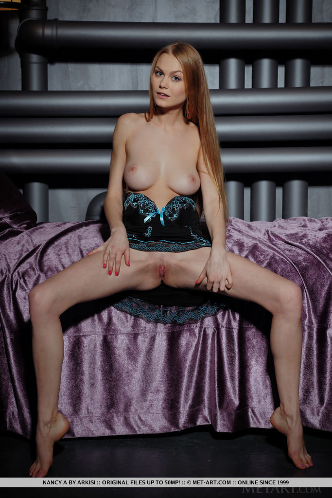 Best sensual model Nancy A for adult only sessions
