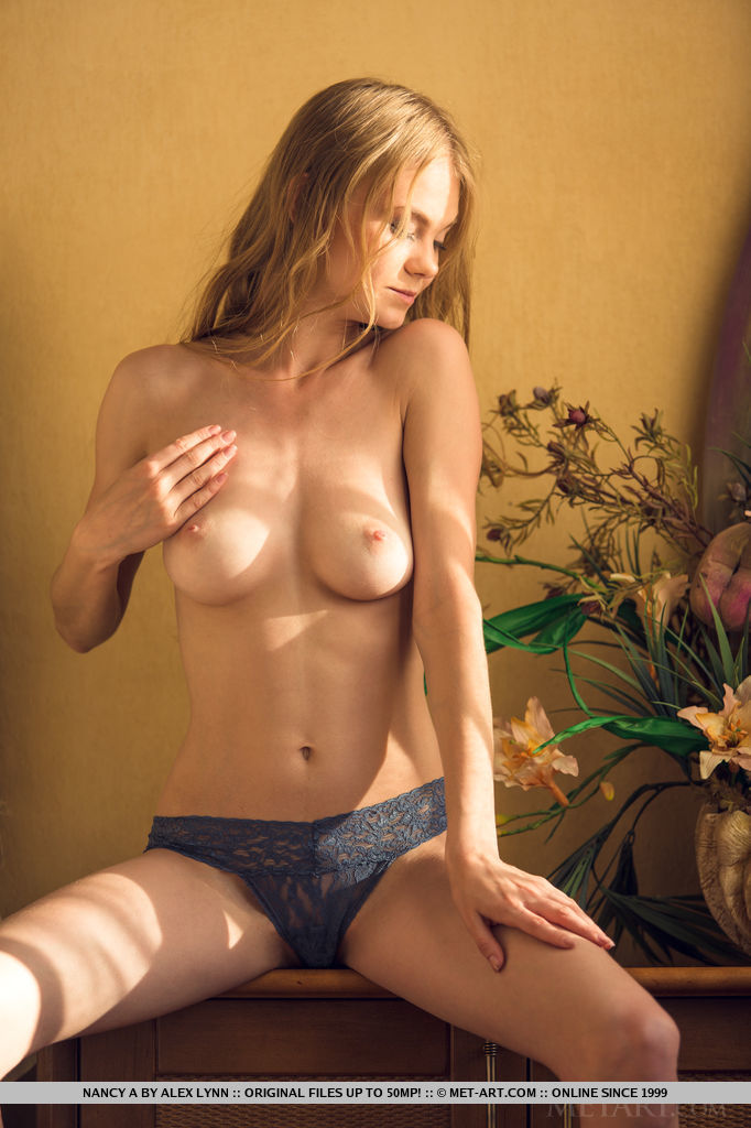 Best quality stark-naked photo for free