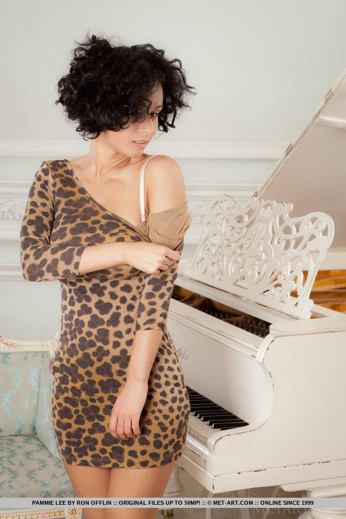 Best awe-inspiring model Pammie Lee in garmentless sessions