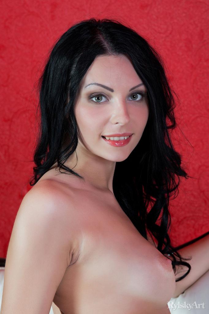Rafaella in erotic photo sessions