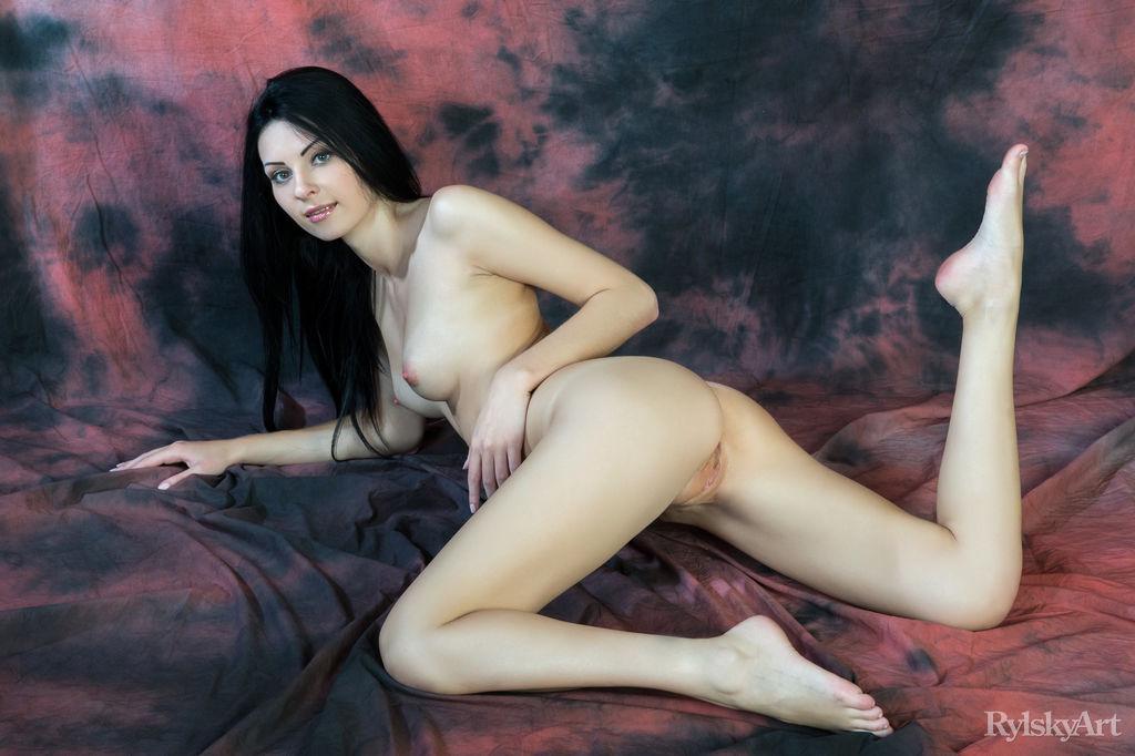 Flackar Rylsky Art is surprising Rafaella