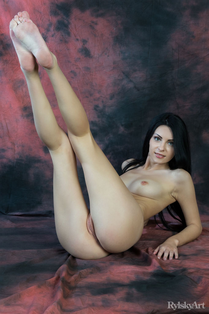 Best titillating model Rafaella in peeled sessions