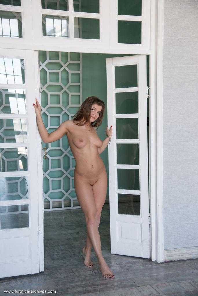 Renata Fox in erotic photo HD for free