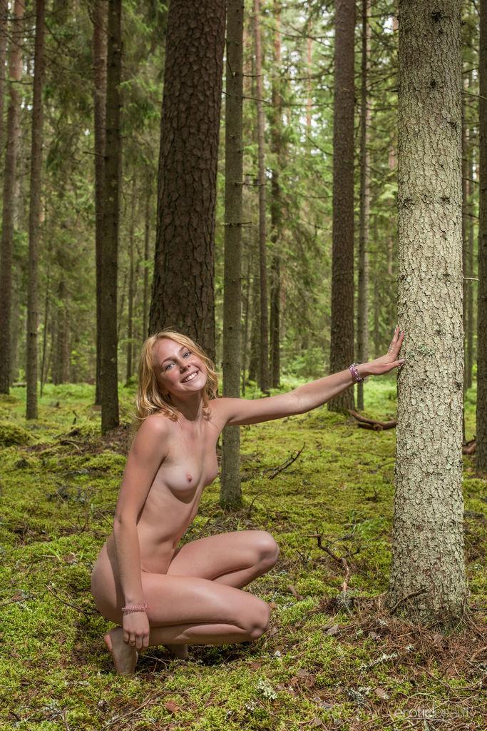 Model of Runa in bare sessions