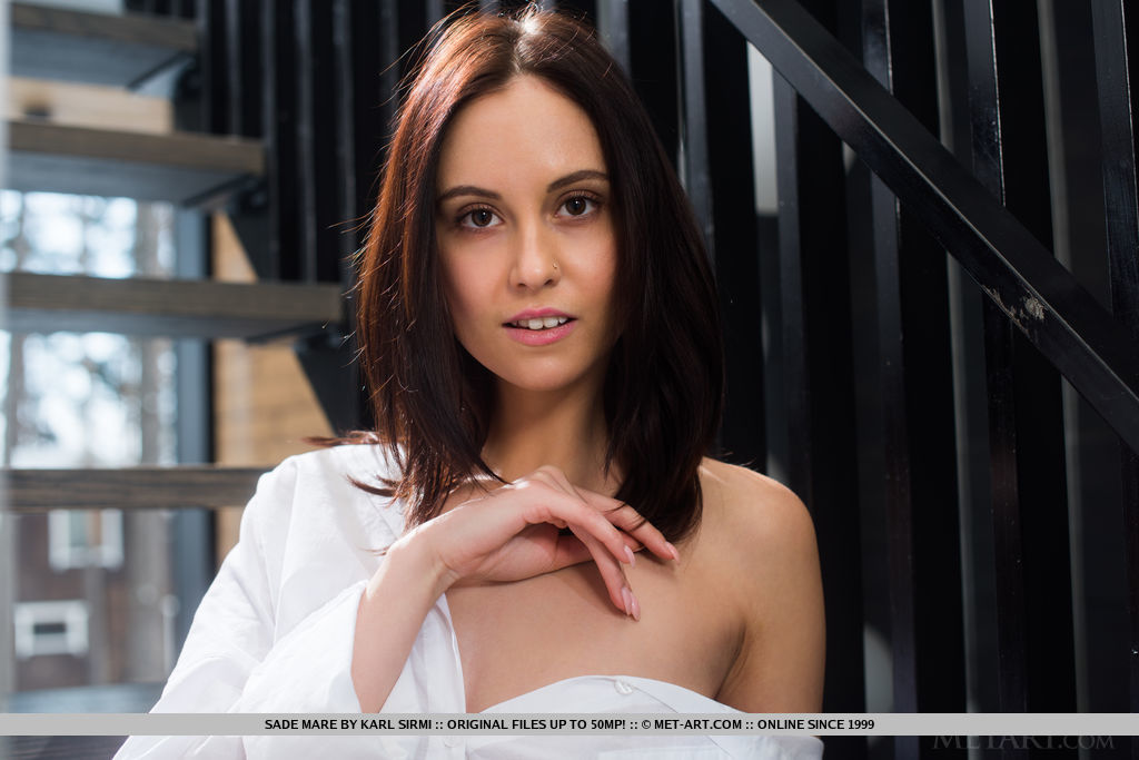bare-skinned photo gallery of  Sade Mare