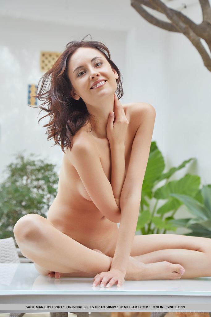 Best seductive model Sade Mare in garmentless sessions