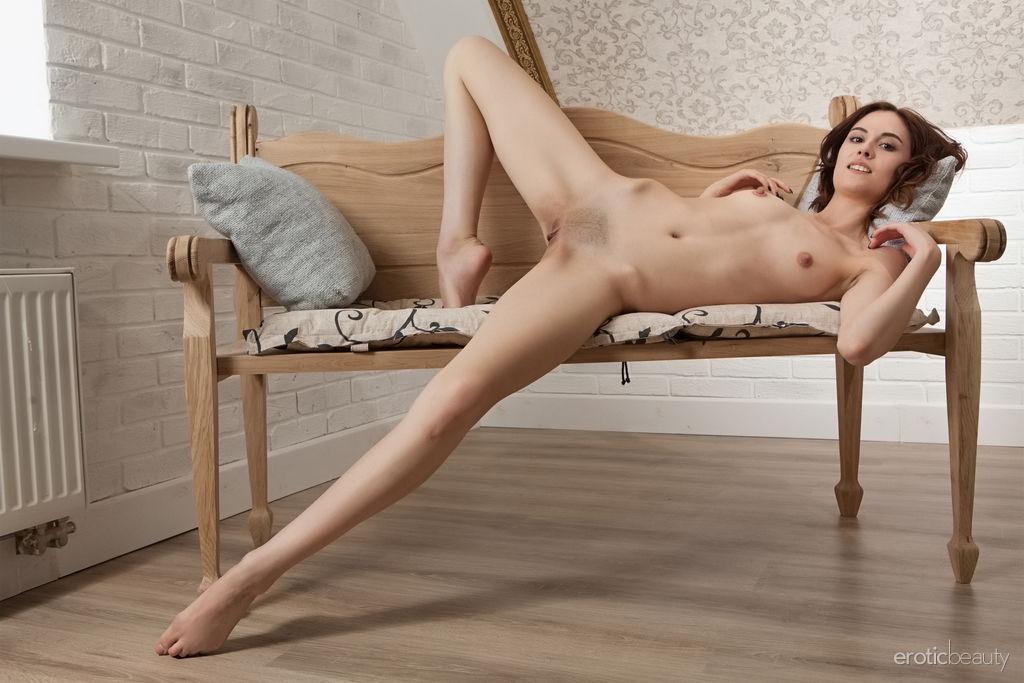 Best resolution undressed pix