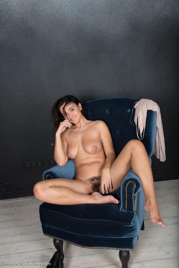 Sanita in erotic photo sessions