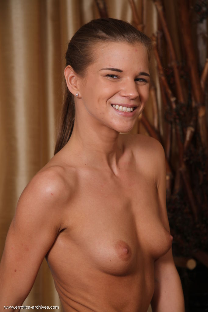 skin small breasts pix
