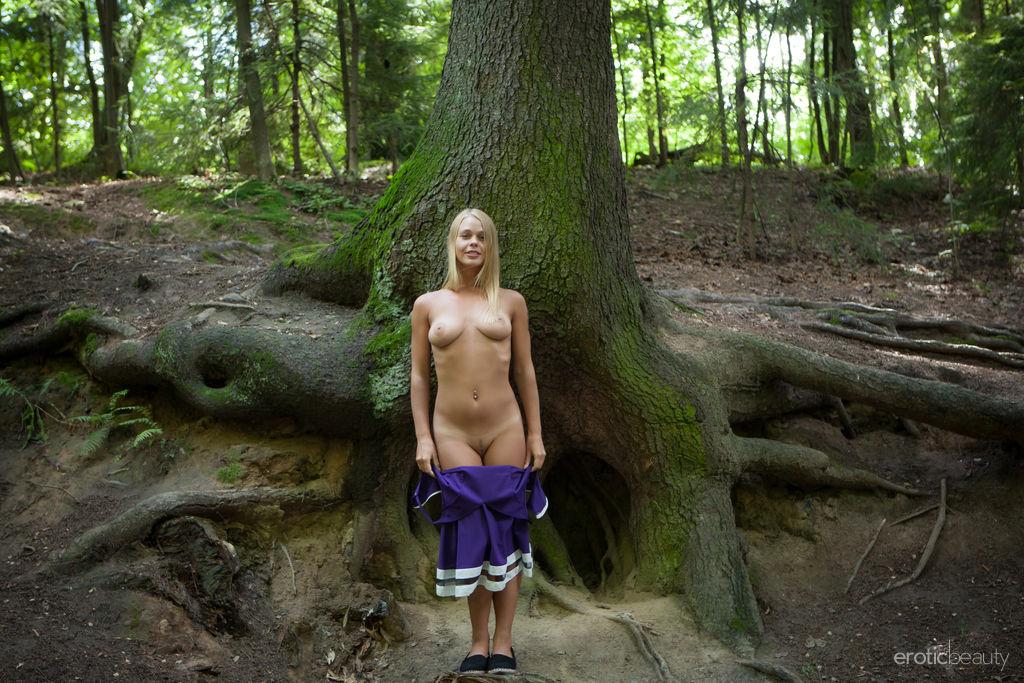 Sarika A marvelous medium titties picture