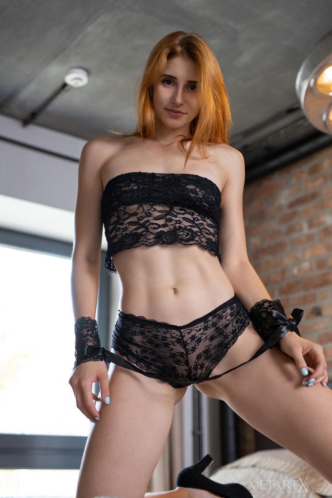 kissable medium titties pic