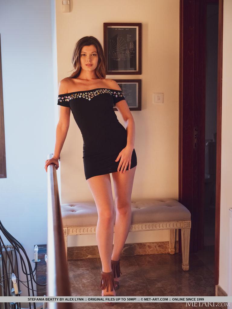buck naked photo gallery of  Stefania Beatty