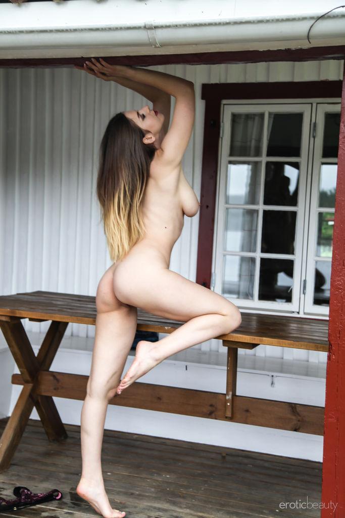 Stella Cox in stripped snap